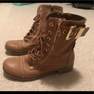 Guess tan zip up combat boots